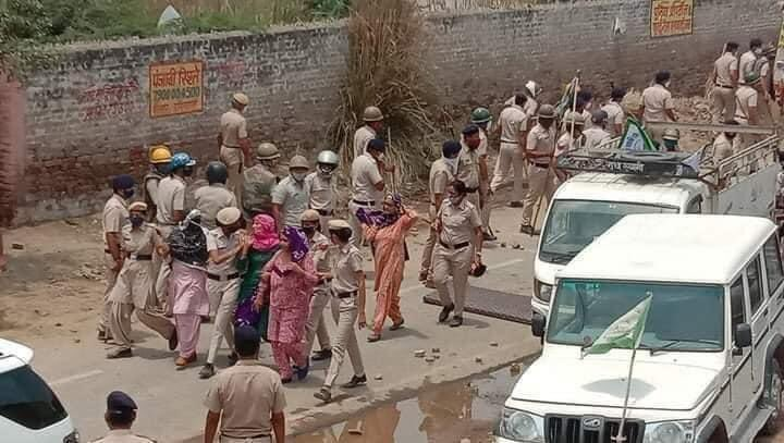 Haryana CM Khattar's Hisar visit marked by clashes between farmers and police, several injured