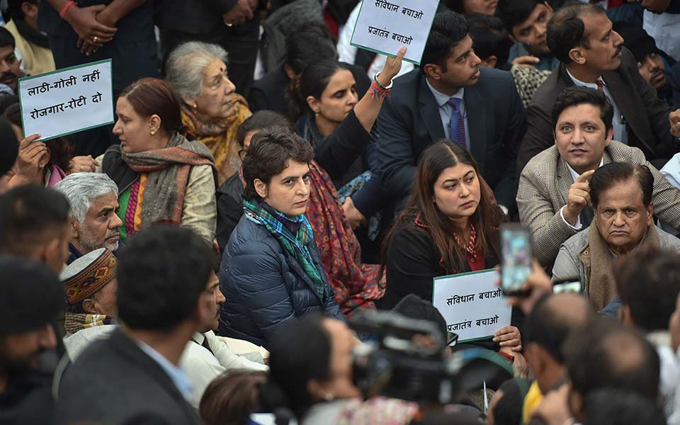 Priyanka Gandhi leads Congress protest at India Gate over Jamia incident